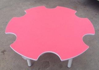 โต๊ะอนุบาลรูปดอกไม้ ลามิเนตสี