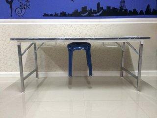 โต๊ะพับแบบแขวนเก้าอี้