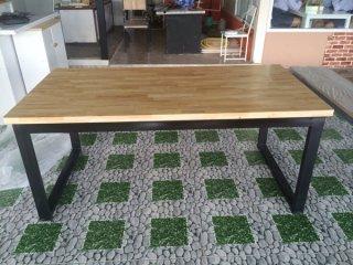 โต๊ะอาหารไม้ยางพารา Top หนา 35mm.
