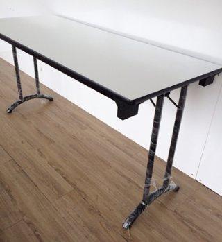 โต๊ะพับขาคู่ แบบบางโค้ง