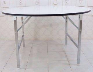 โต๊ะพับกลม หน้าโฟเมก้าขาว