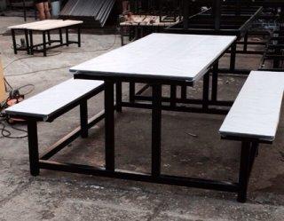 โต๊ะโรงอาหารหน้าขาว ขาคู่