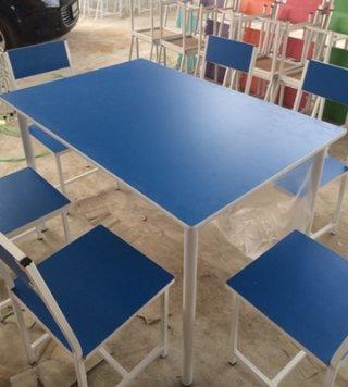 โต๊ะโรงอาหาร สีสัน