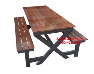 โต๊ะอาหารไม้เต็งขาไขว้